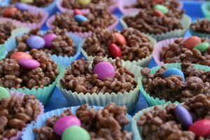snap_crackle_and_pop_rice_krispies_cupcake_4565854135